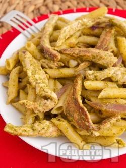 Паста с песто и пилешко месо - снимка на рецептата